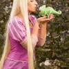Rapunzel e Pascal, tratti da Tangled