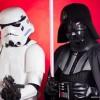 Darth Vader, seguito da uno Stormtrooper, tratti da Star Wars