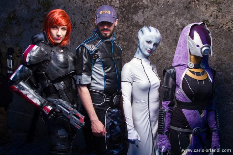 Comandante Shepard, Joker, Liara e Tali tratti da Mass Effect 3.