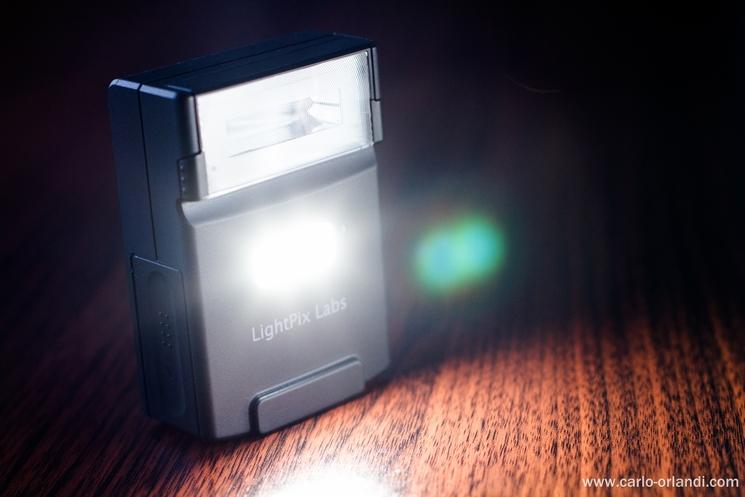 La luce LED del FlashQ Q20