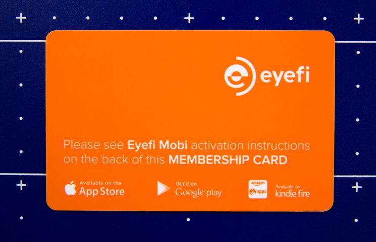 Carta con il codice univoca della scheda Eyefi Mobi