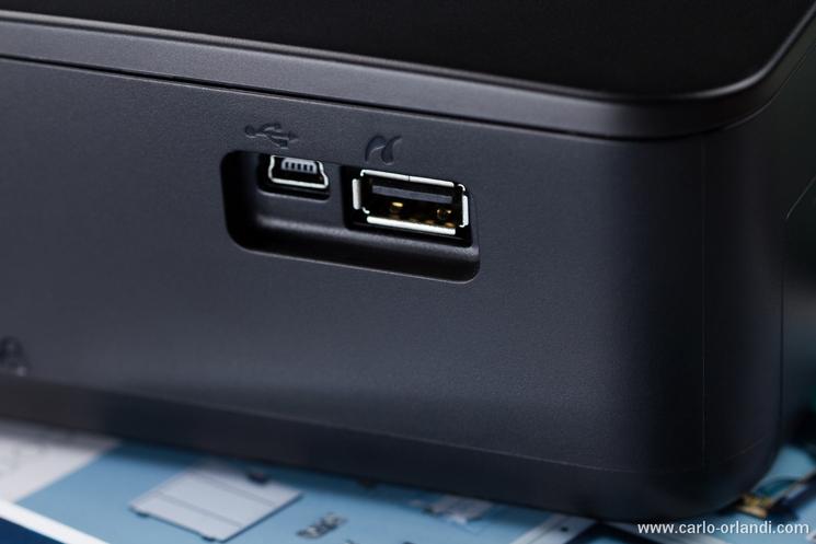 I due attacchi USB sul lato della stampante.