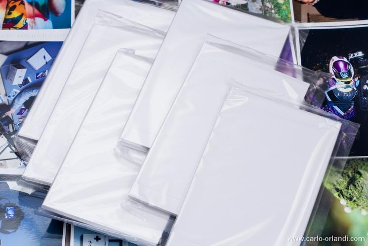 I 6 pacchetti da 18 fogli di carta contenuti in un kit.